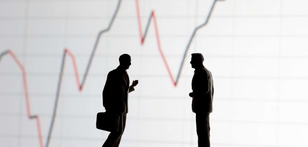 Institutional vs. Retail Investors: What's the Difference?